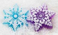 Мыло из основы в форме снежинки