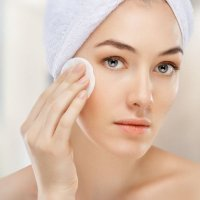 Двофазний засіб для зняття макіяжу