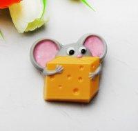 """Мыло из основы """"Мышка с сыром """""""