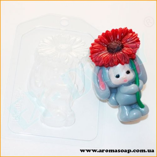 Зайка-малыш с цветком 85 г (пластик)