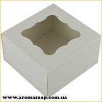Коробка премиум Белая с фигурным окошком