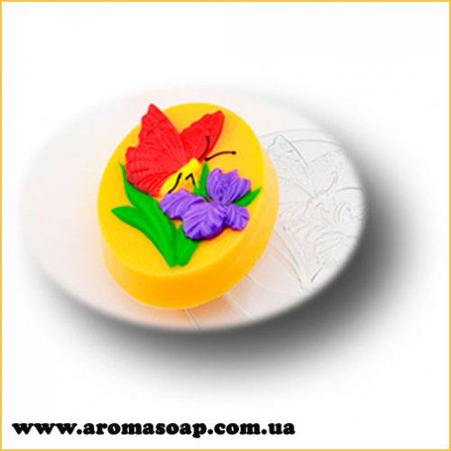 Бабочка на цветке 70 г (пластик)