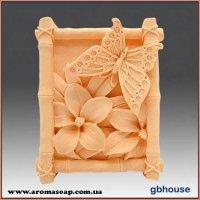 Бабочка на цветах элит-форма