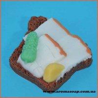 Бутерброд з огірком і салом еліт-форма