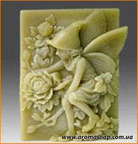Эльф в колпачке (с розами) элит-форма