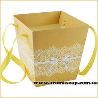 Кашпо картонне для квітів з ручкою Ажурне