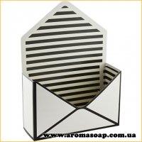 Коробка-конверт малая Черно-белая для букета