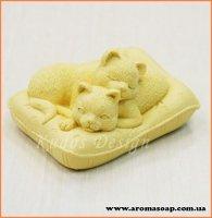 Кішечки на подушці 3D еліт-форма