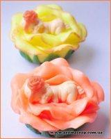 Малюк на квітці 3D еліт-форма