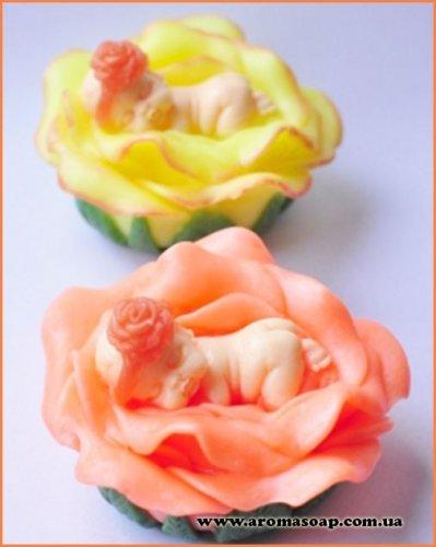 Малыш на цветке 3D элит-форма