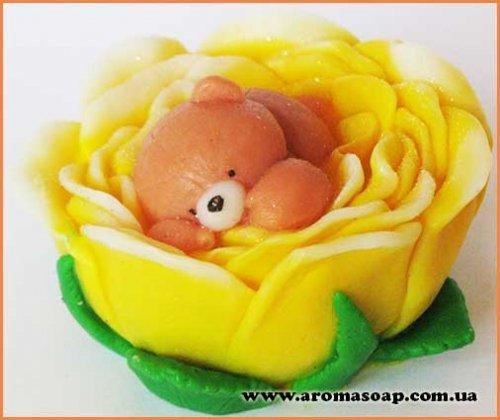 Ведмедик в квітці 3D еліт-форма