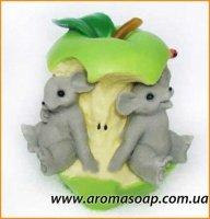 Мышки в яблоке 3D элит-форма