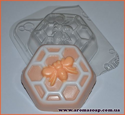 Пчелка на сотах 125 г (пластик Англия)