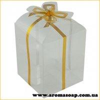 Пластикова коробочка з золотим бантом висока