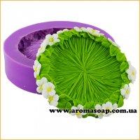 Зеленая поляна в цветах 3D элит-форма