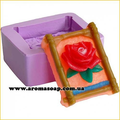 Роза в бамбуковой рамке элит-форма